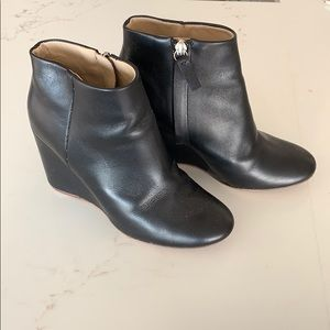 Very cute COS black boots in very good condition